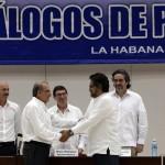 Gobierno y Farc firman el acuerdo sobre reparación y justicia a las víctimas