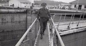Omar-Torrijo-en-el-Canal-de-Panamá
